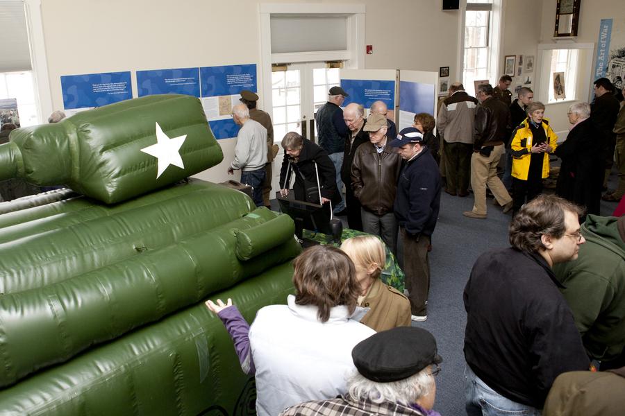 Lexington Exhibit Tank